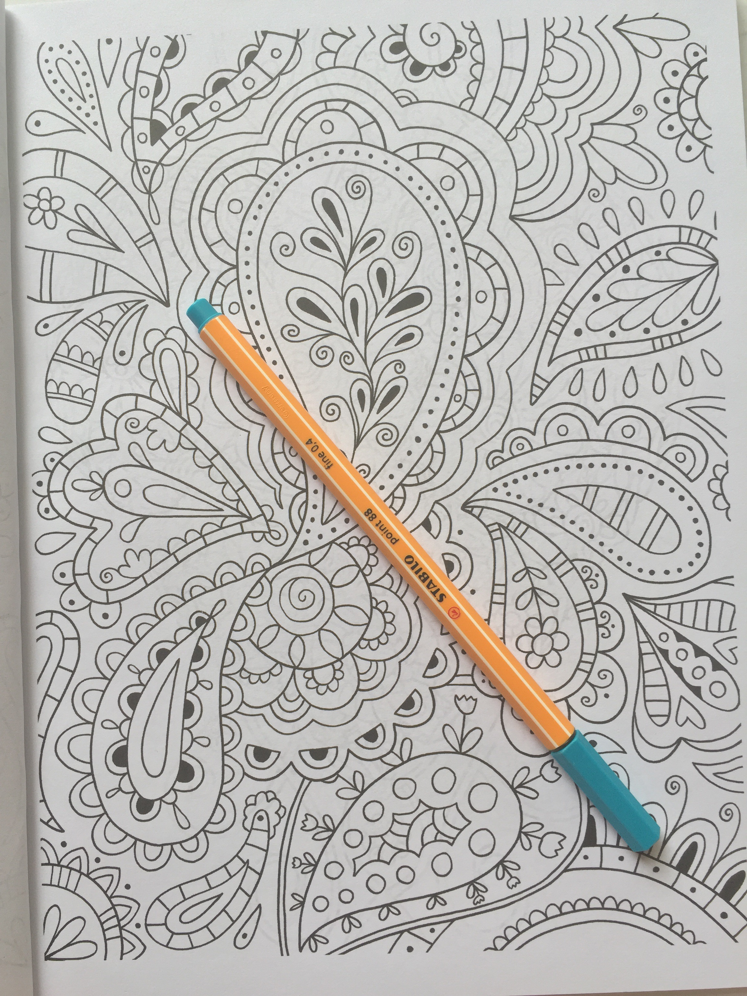 Adult Colouring Mindfulness Art Therapy Relaxed Focused Book Review